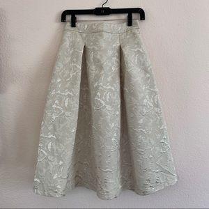 Full Skirt w Cream Floral Texture